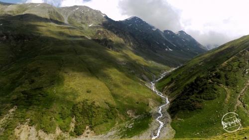 Towards Nalgan Pass