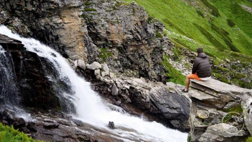 Chandernahan Lake - Waterfall