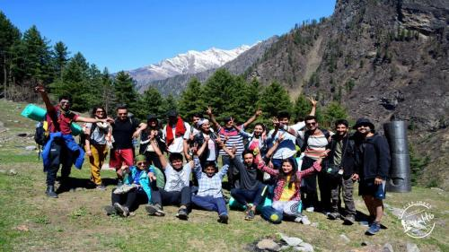 Kheerganga Trek group
