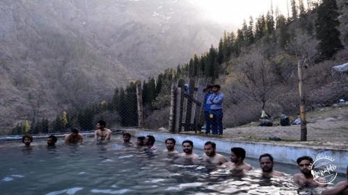 Hot water spring - Kheerganga Trek