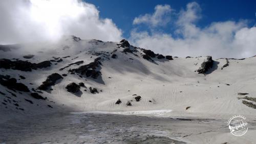 Shrikhand Mahadev Trek - Nainsarovar frozen lake