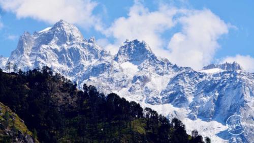 mind boggling view from rashol trek in Parvati Valley